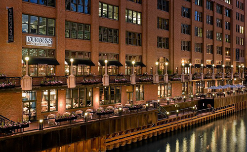 Watch the dyeing of the Chicago River at Fulton's