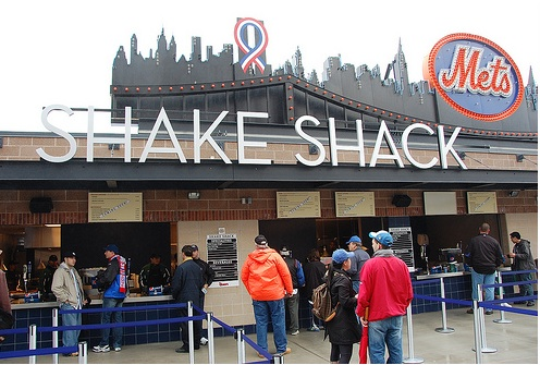 "Shake Shack Opens at Citi Field [Flickr Photo Pool/<a href=""http://www.flickr.com/photos/metsgrrl/3395554849/in/pool-eater"">metsgrrl.com</a>"