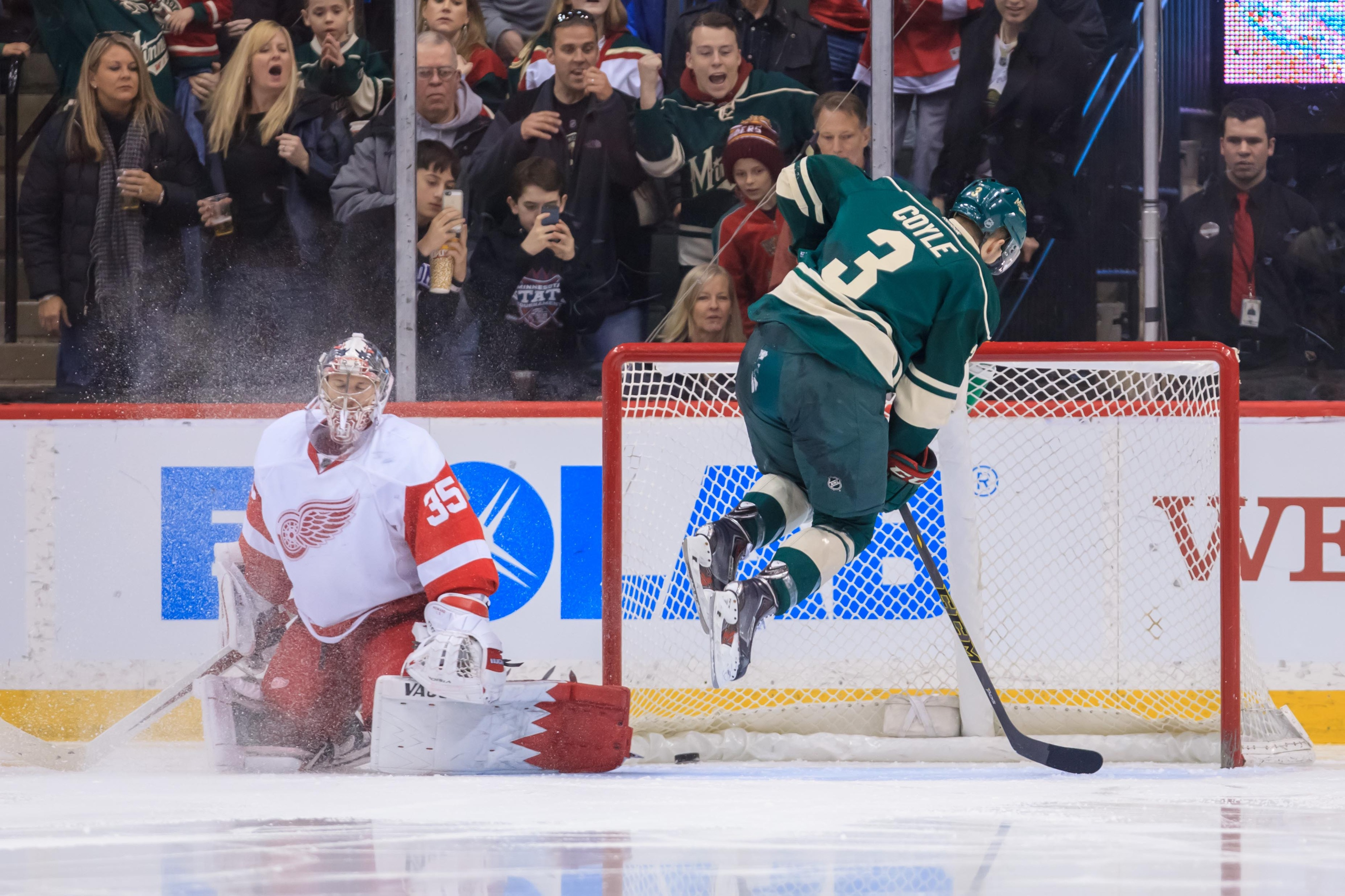 Now that's what I call moving the goaltender