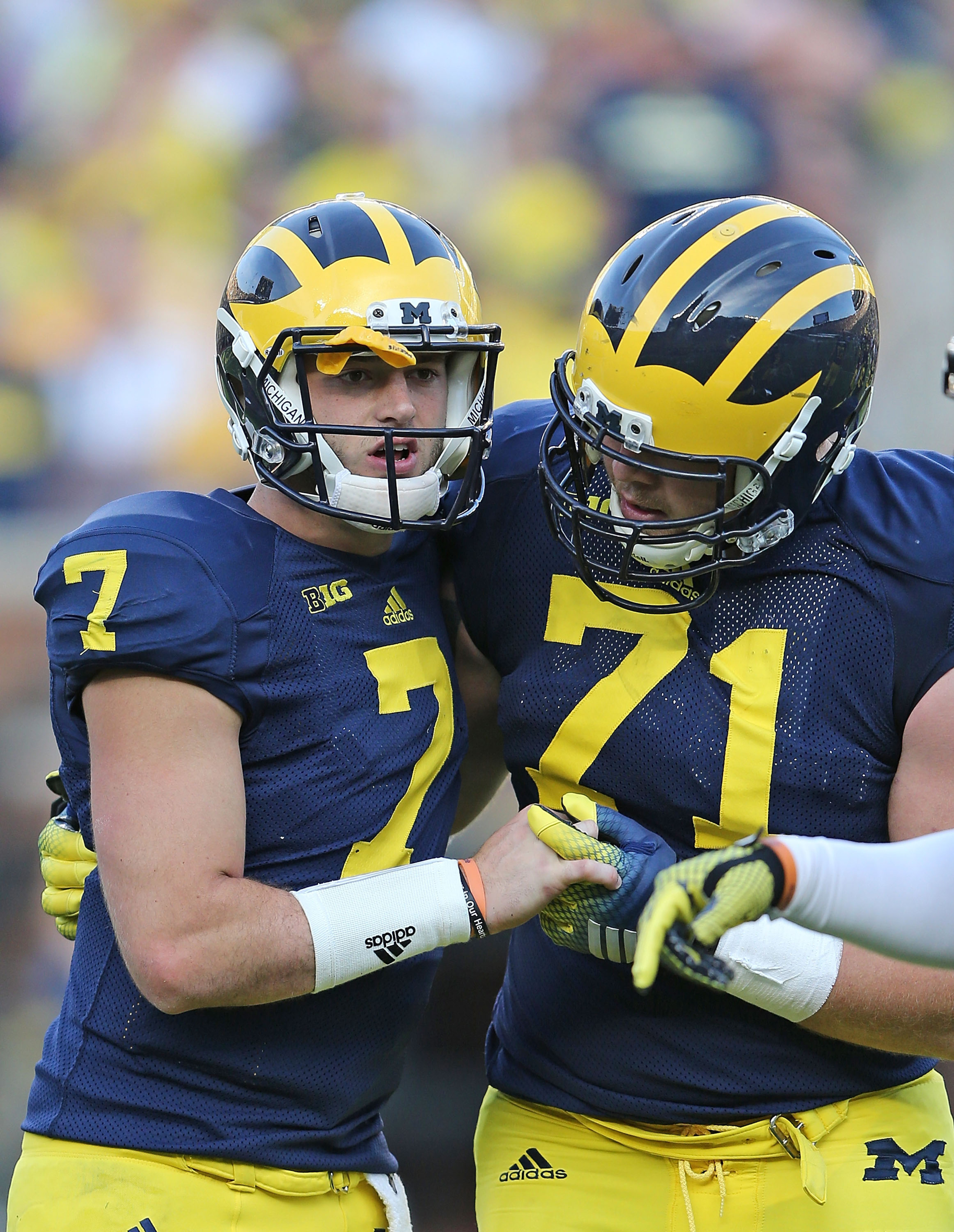 Michigan president criticizes handling of Shane Morris concussion