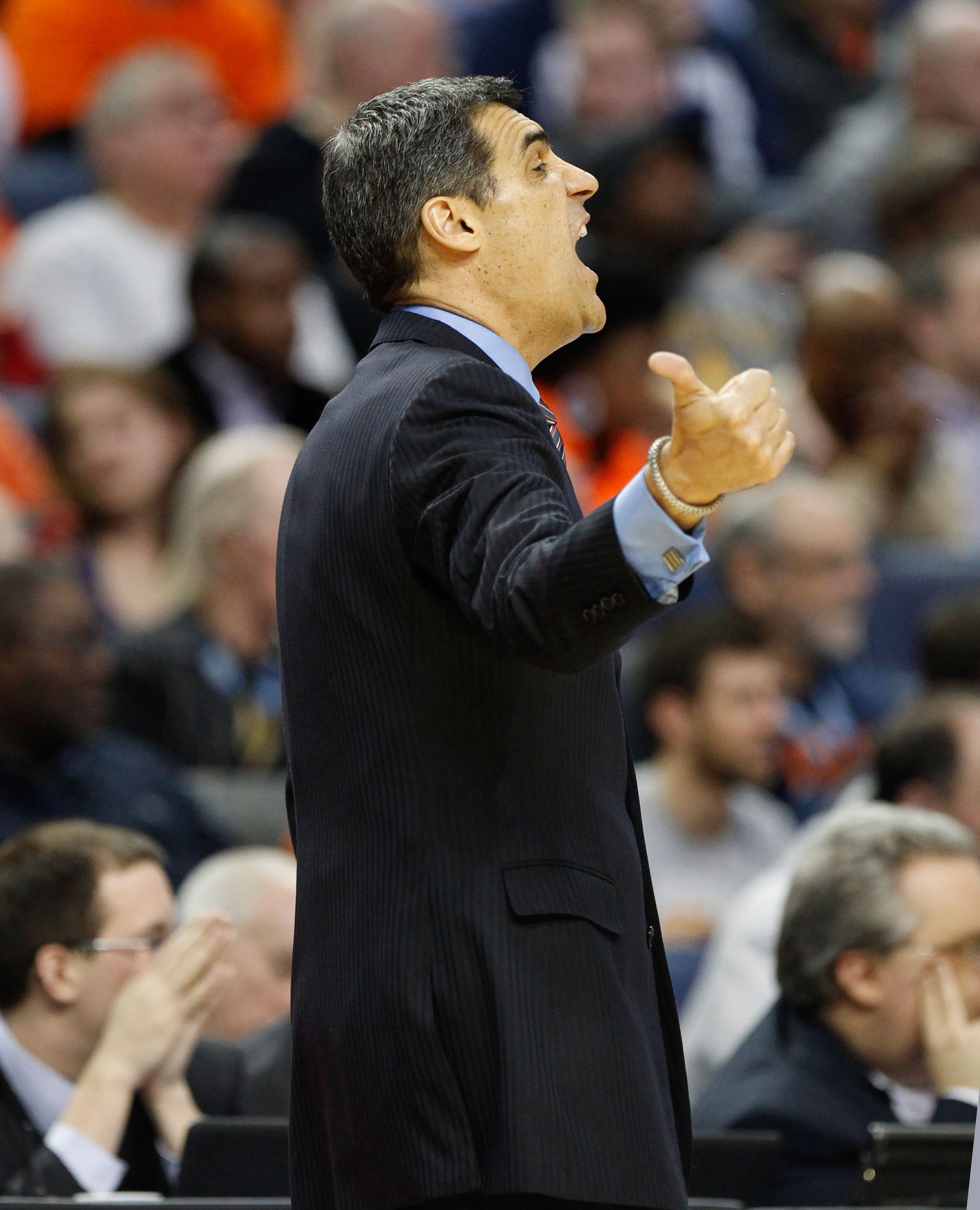 Jay Wright boosts 'Nova's rating by five spots with his suit game.