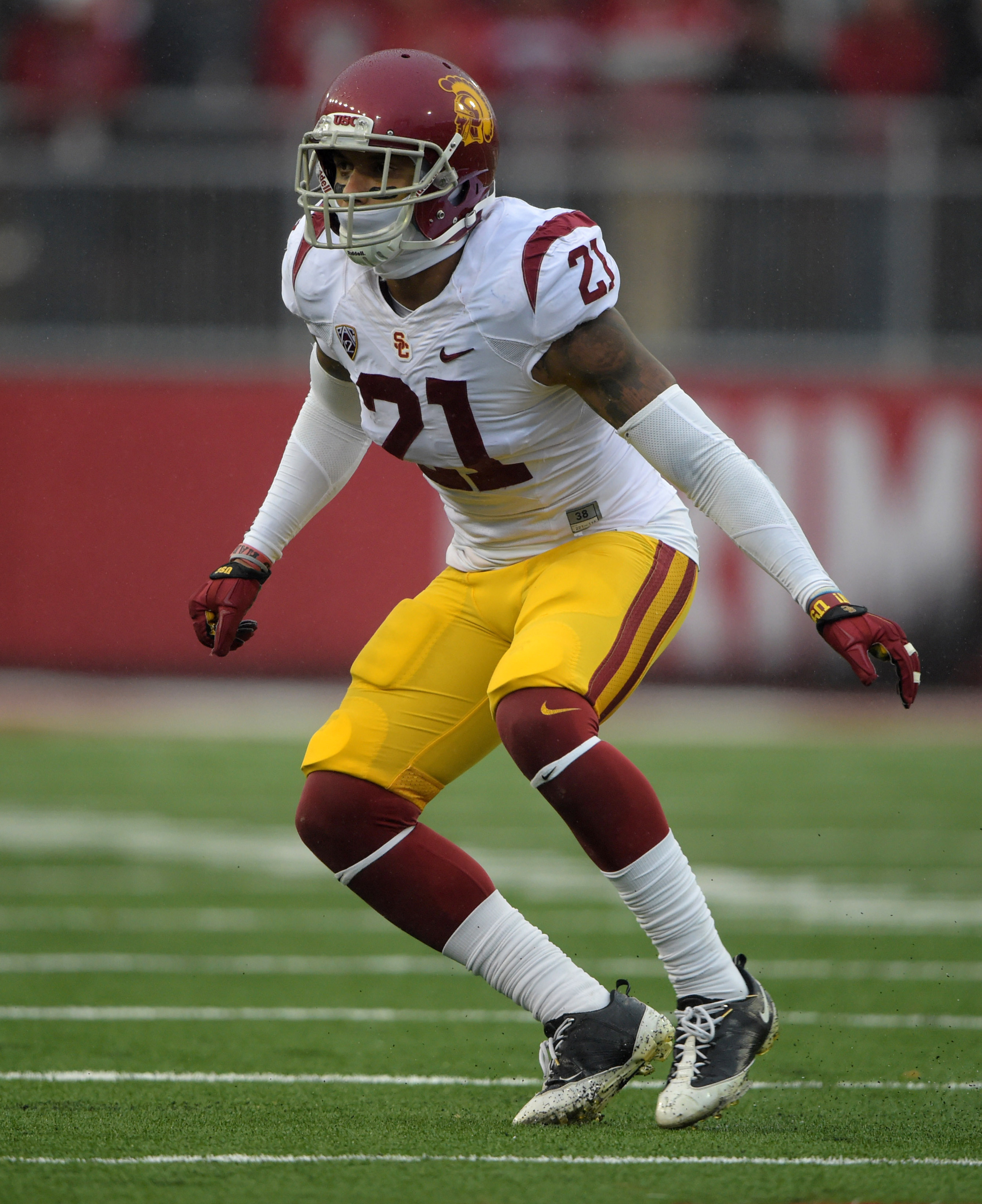 Only a right knee sprain, not worse, for Su'a Cravens