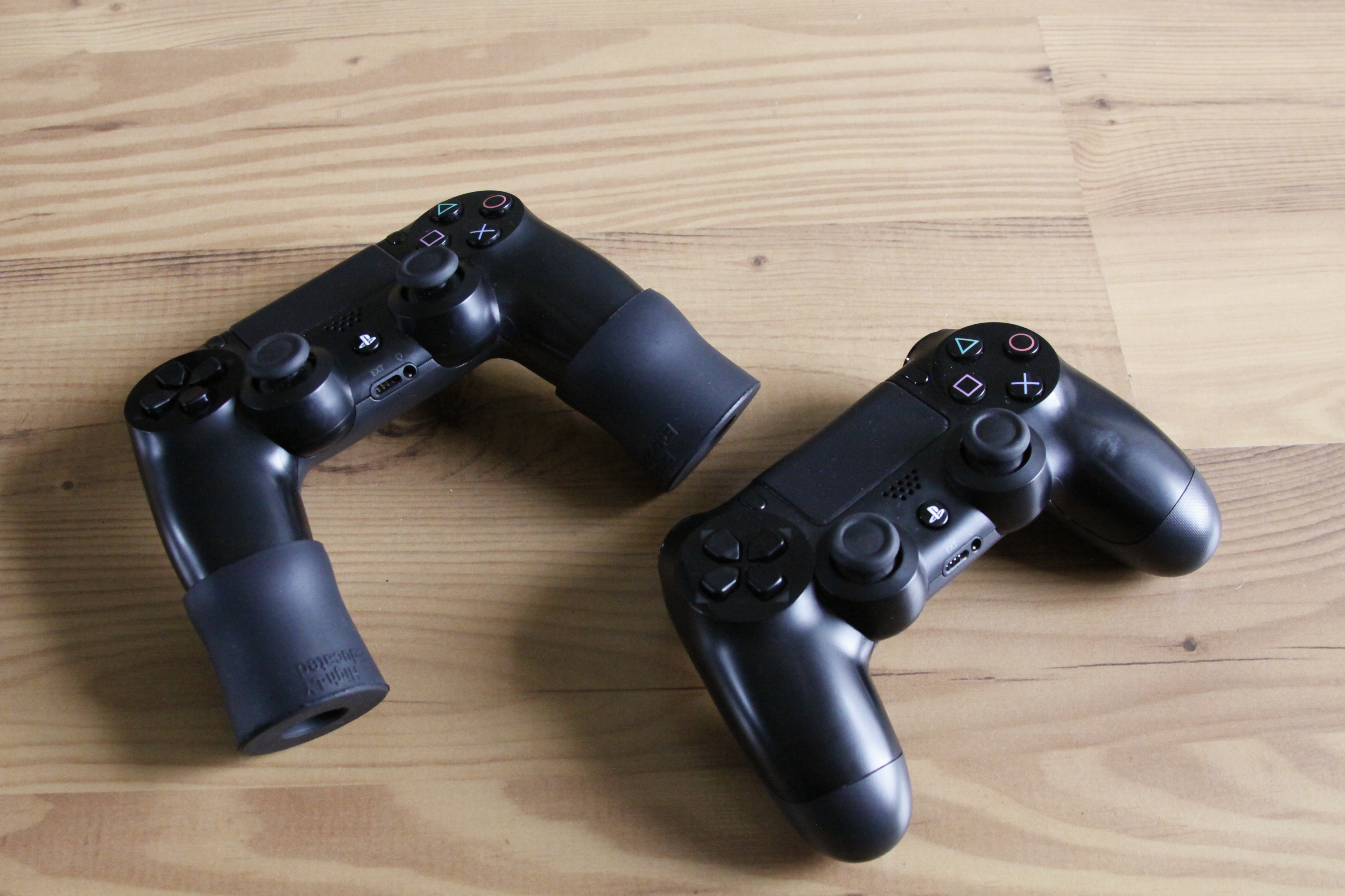 Call of Duty's best accessories are these $7 pieces of rubber (update)