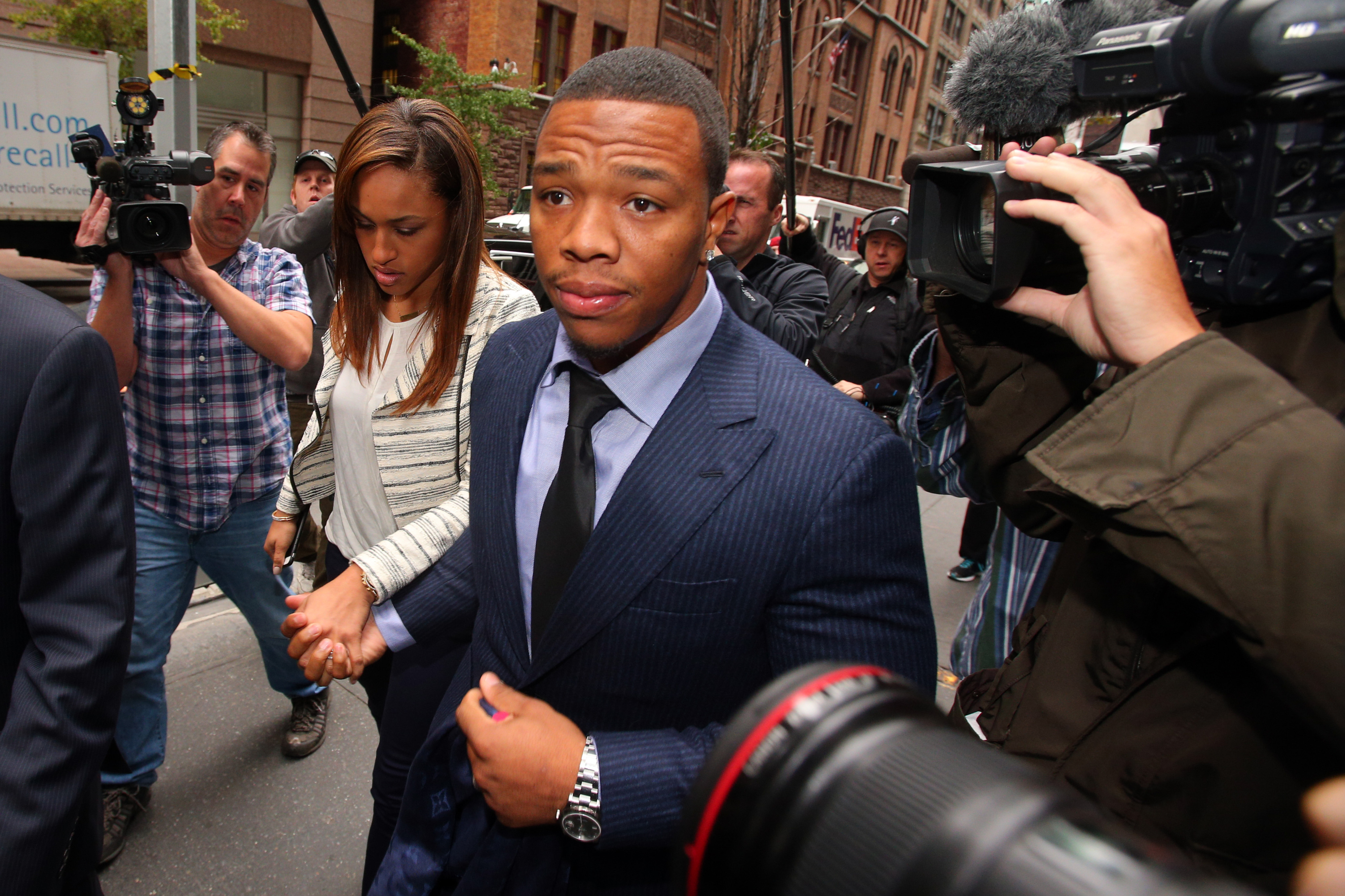 Ray Rice told Roger Goodell he hit fiancee, Ravens GM testifies