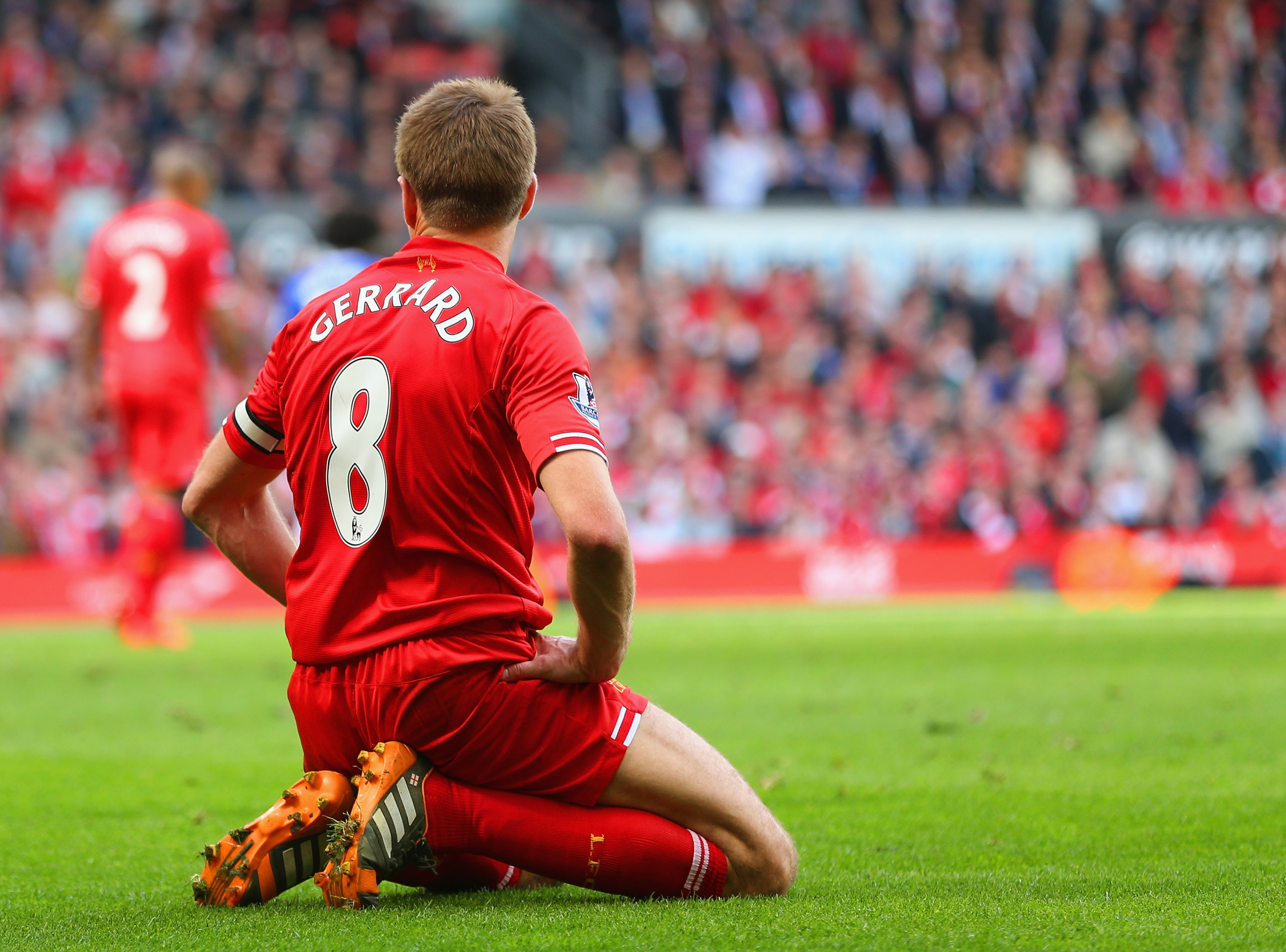 Steven Gerrard is back in Liverpool's lineup against Chelsea