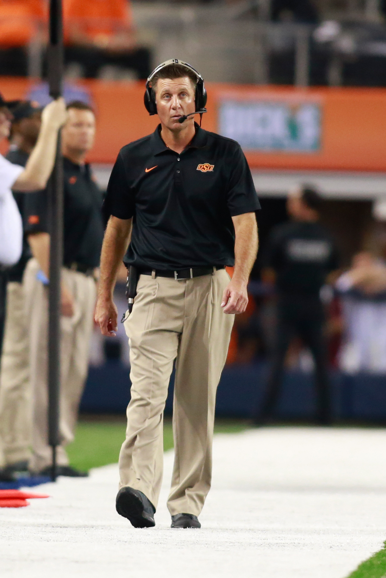 Oklahoma State head coach Mike Gundy 'pursuing' Florida job, per report