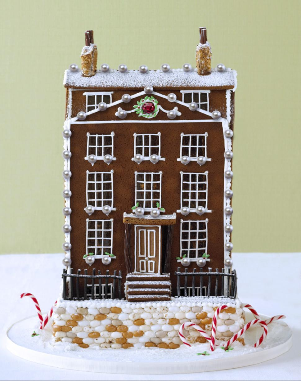VeryFirstTo and Georgia Green's $78,000 gingerbread house