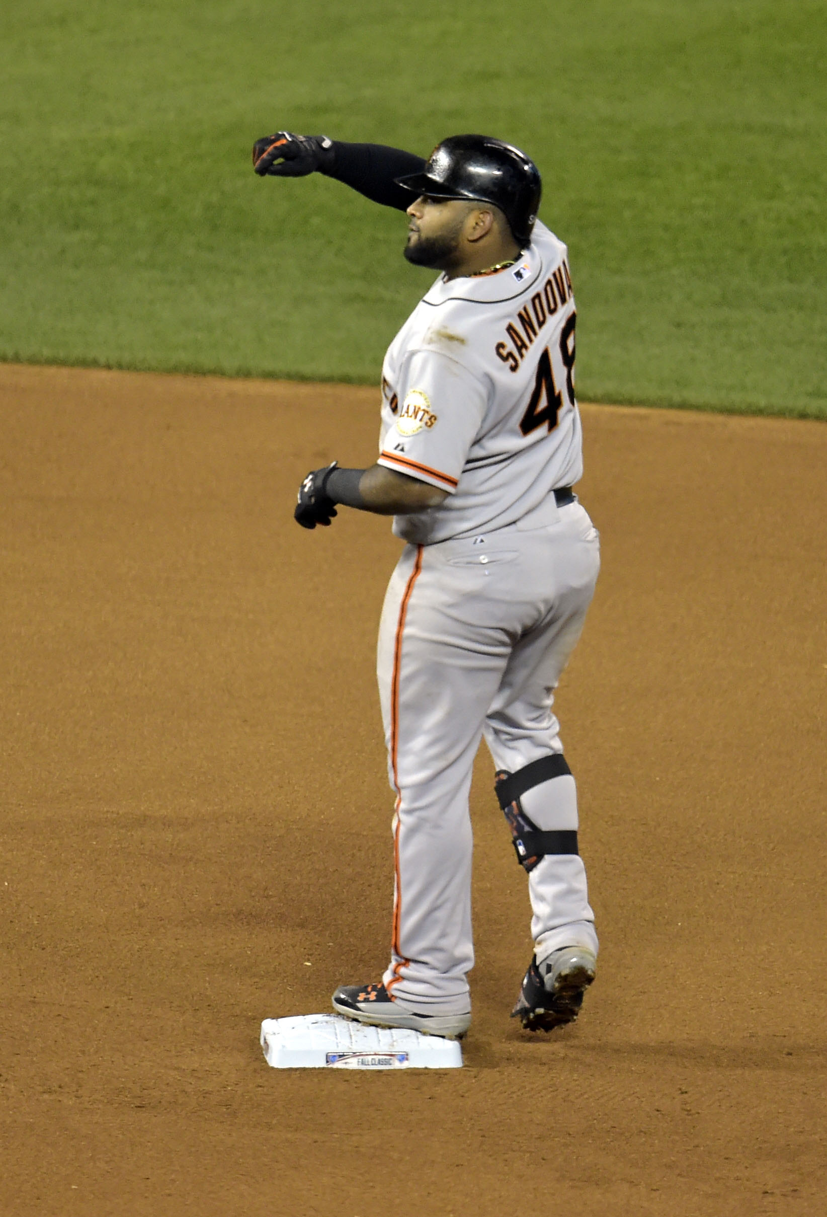 Pablo Sandoval force punches his former teammates as he departs for Boston.