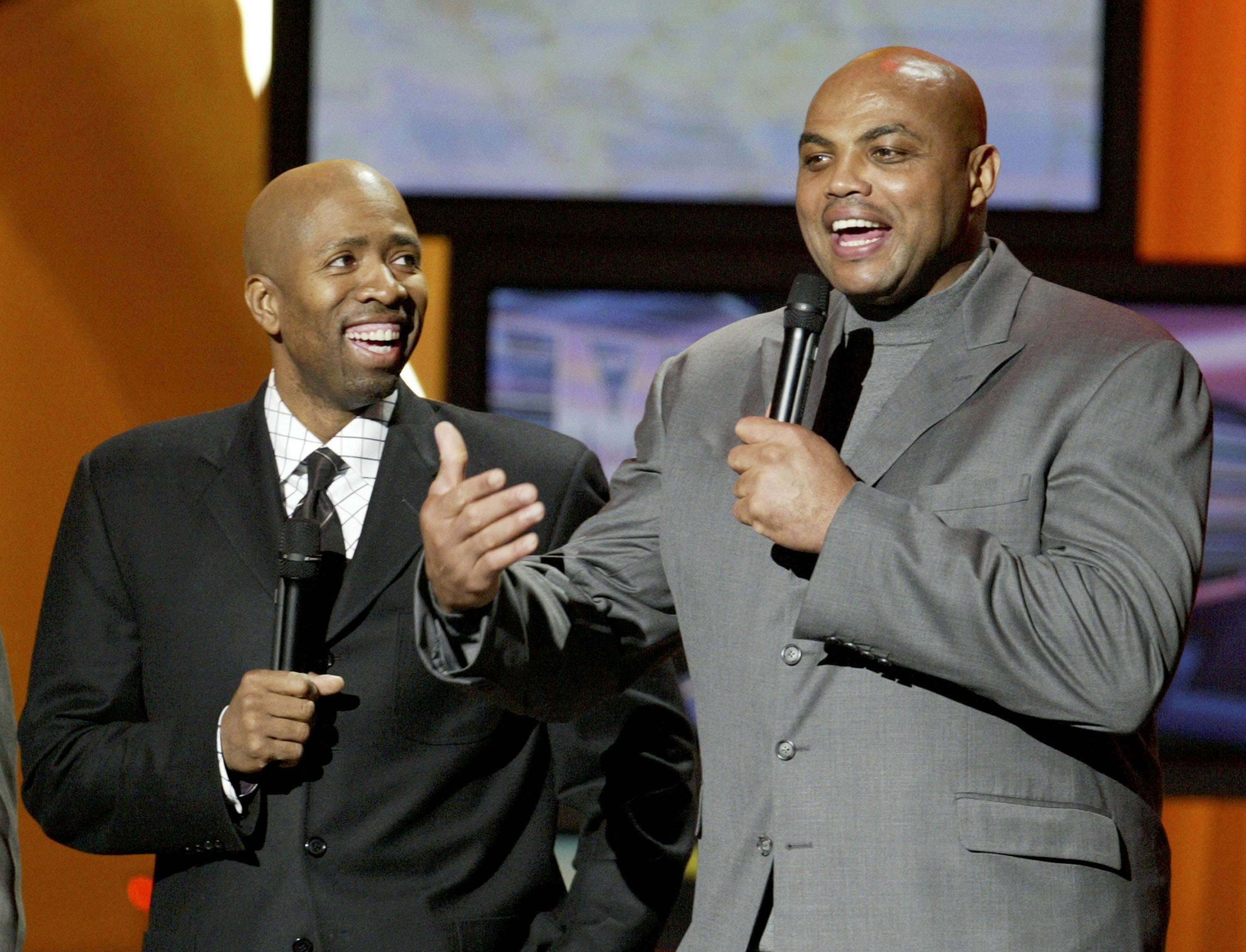 Kenny Smith responds to Charles Barkley's comments on Ferguson
