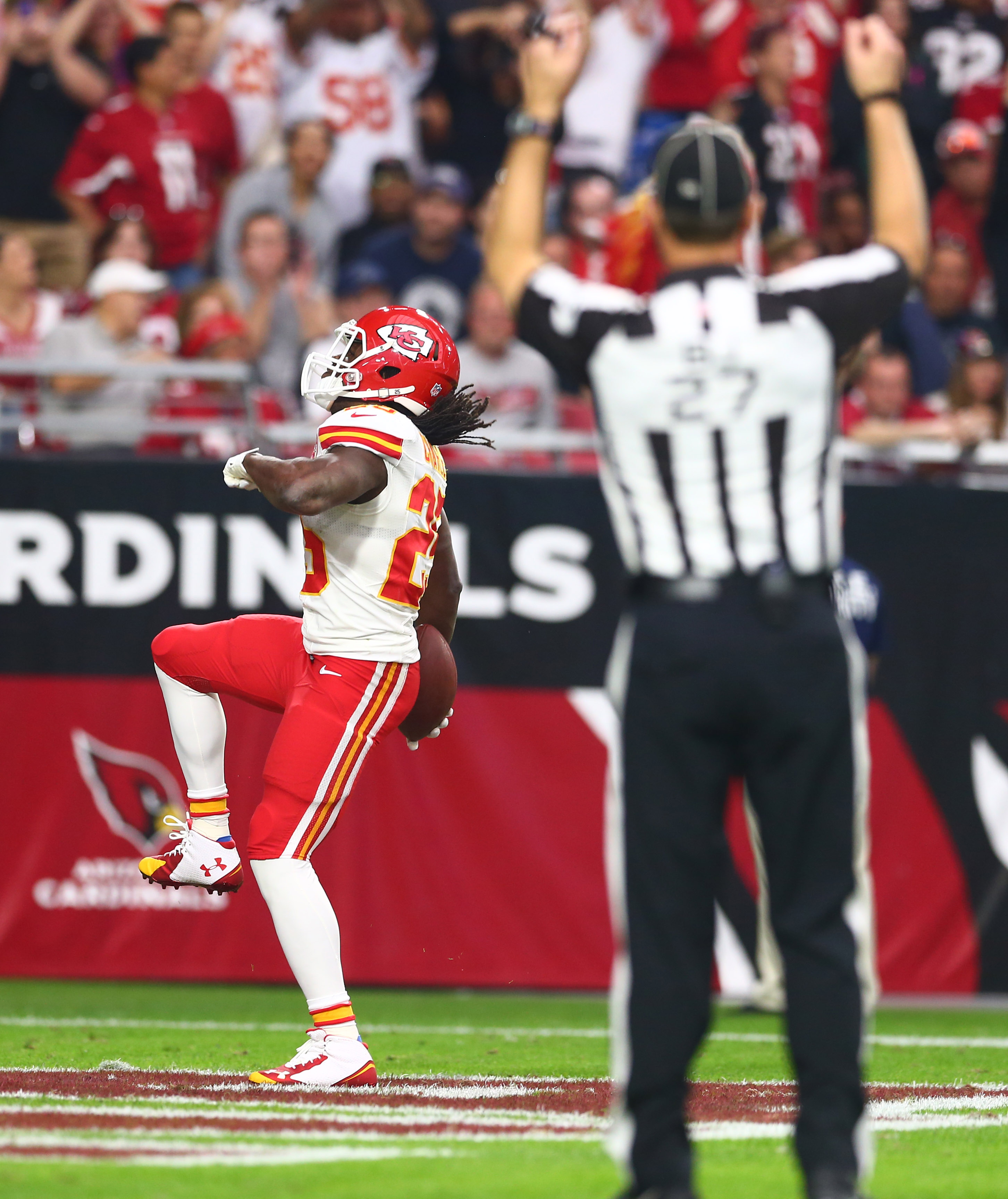 Jamaal Charles blames refs for 'crazy' calls in Chiefs' loss