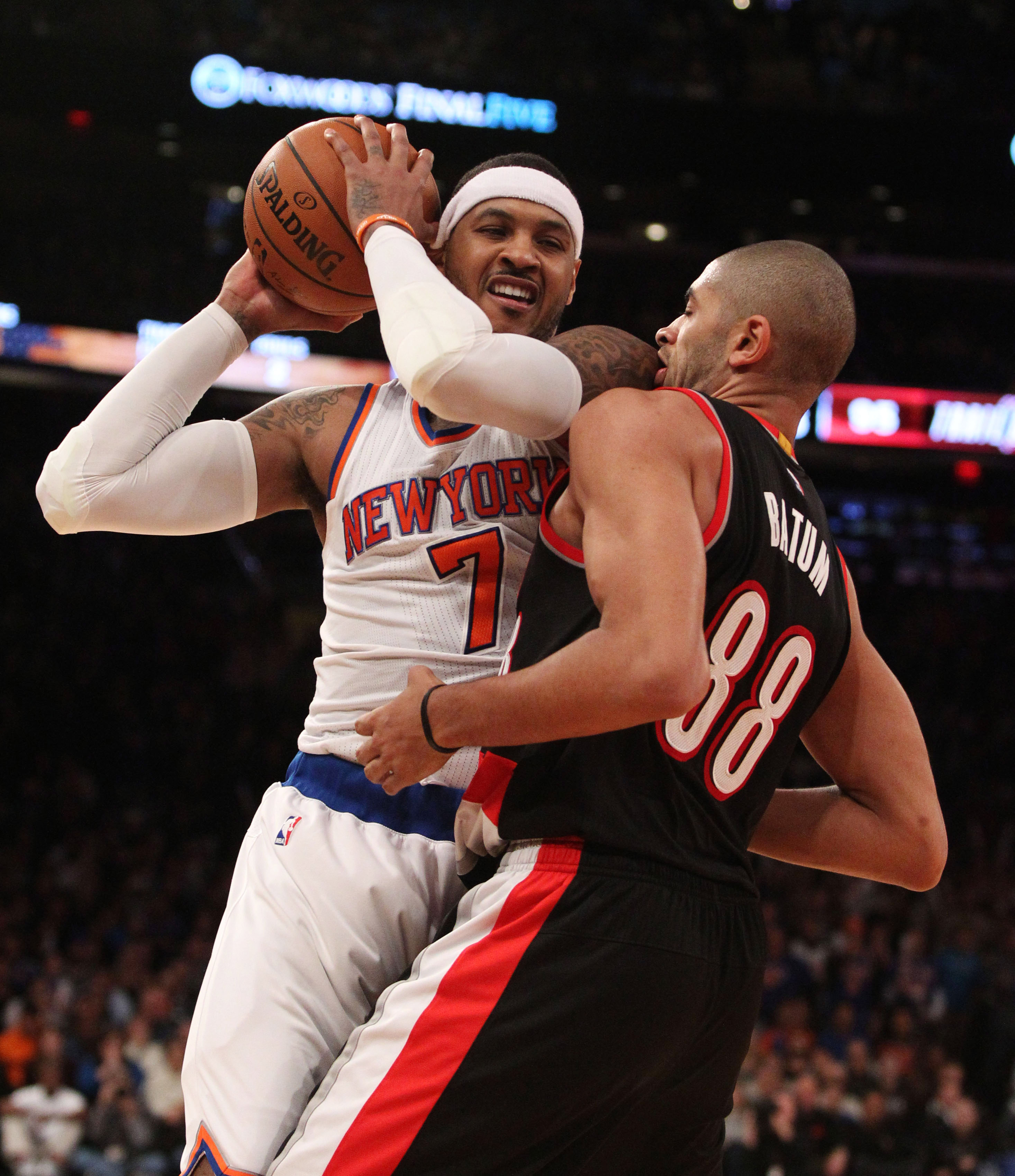 The Knicks continue to fall apart in close games