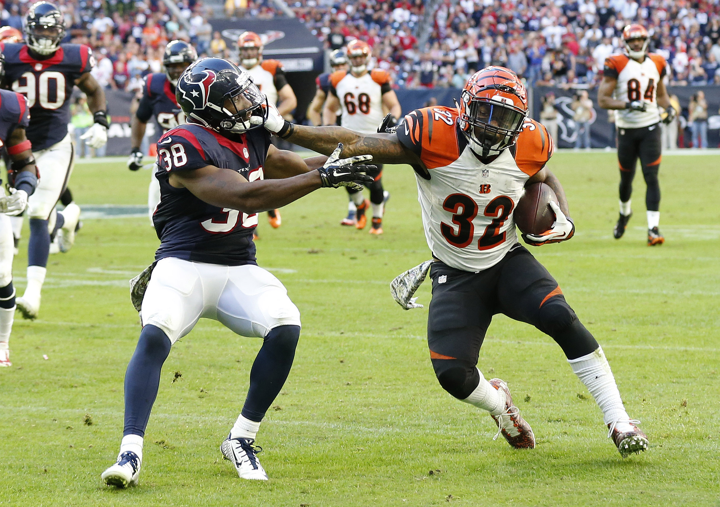 Jeremy Hill replaces Giovani Bernard as starter, Colt McCoy expected to be cleared