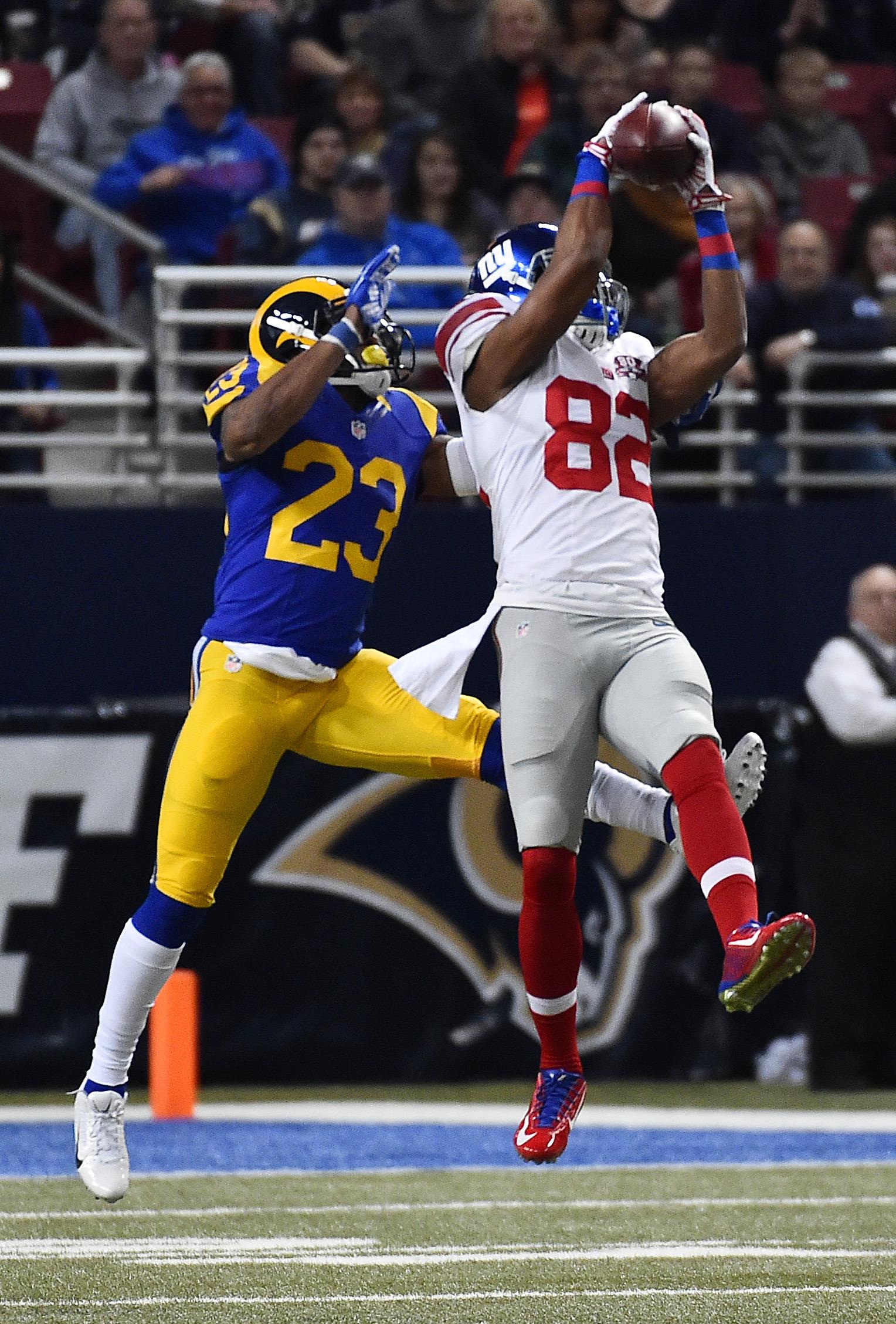 Rueben Randle hauls in a 49-yard catch Sunday
