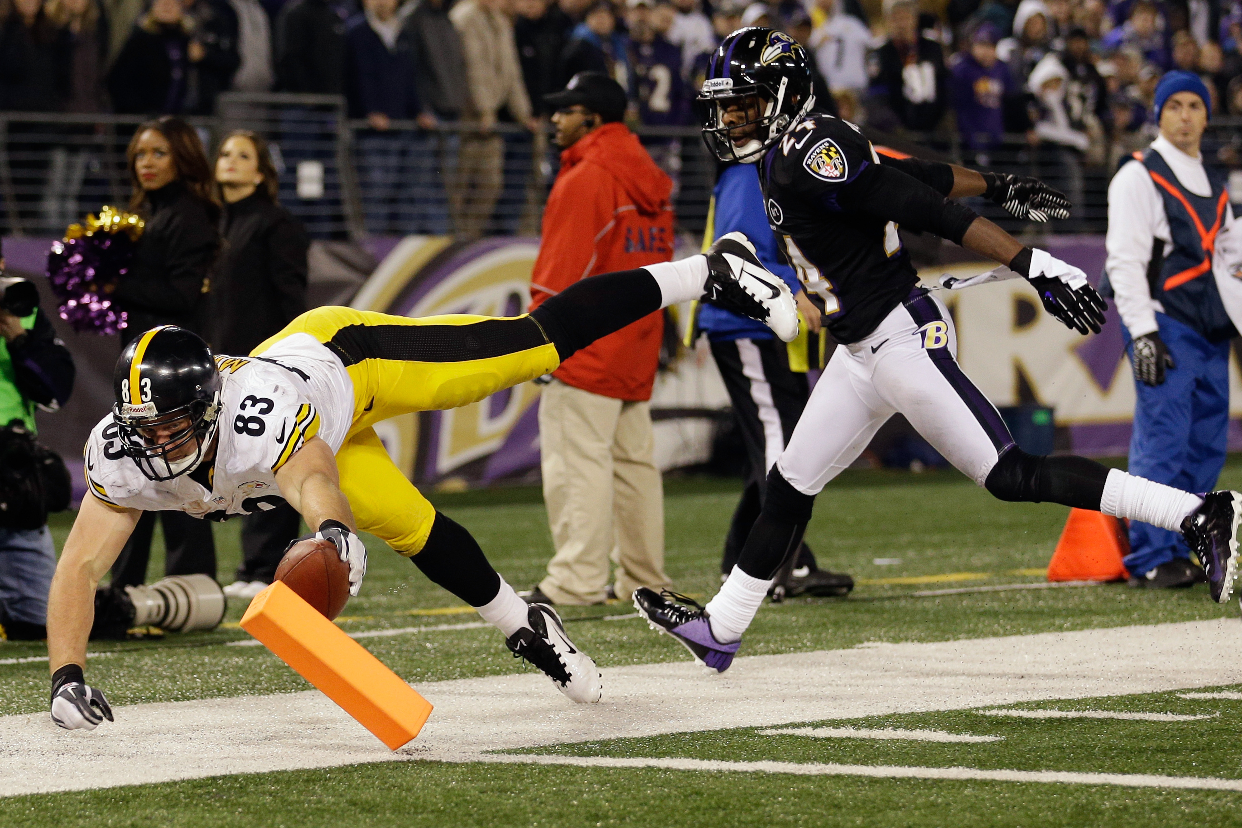 Heath Miller wills himself to the game tieing touchdown vs. the Ravens.