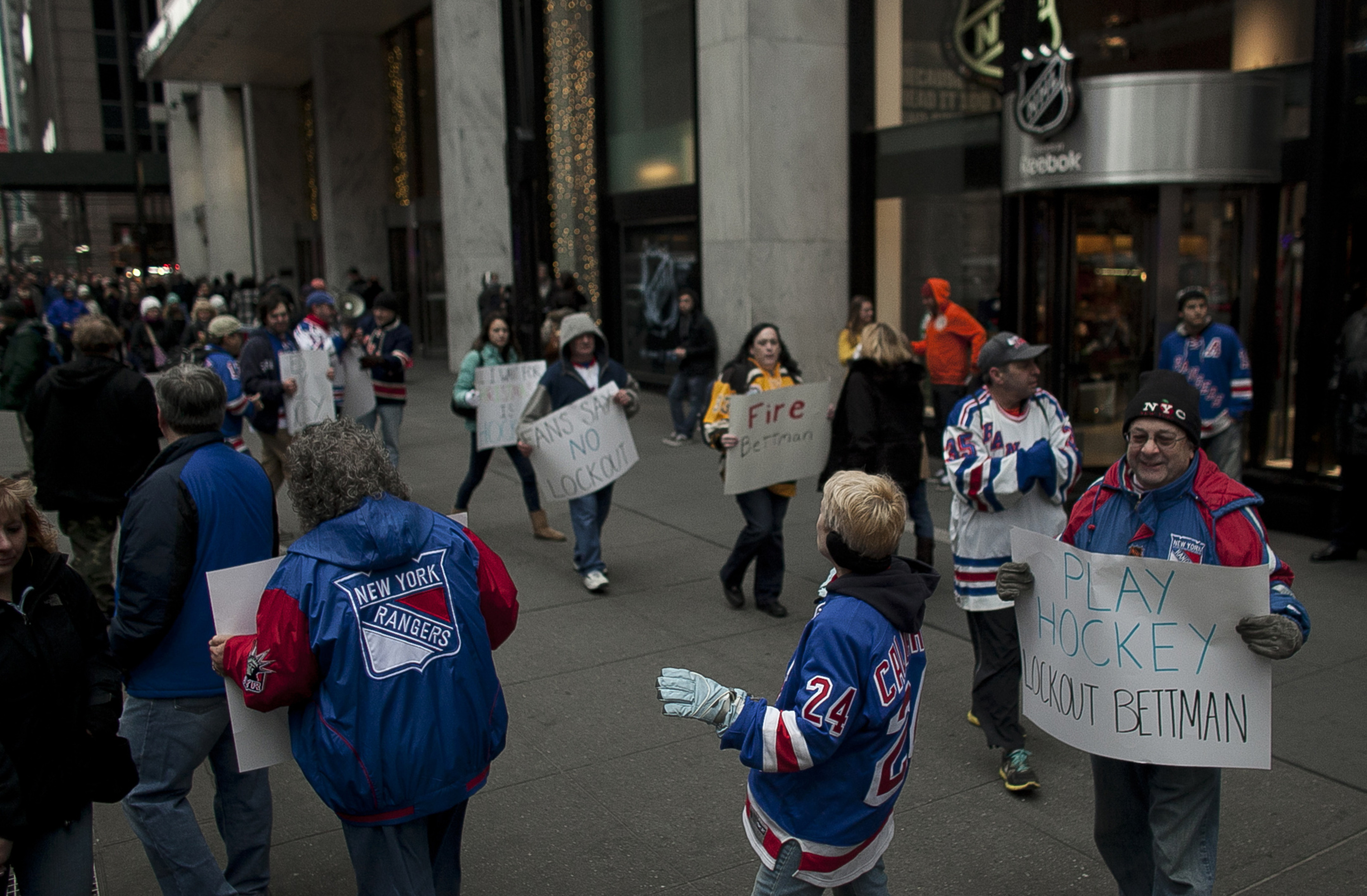 Rangers fans, lacking guidance, wander aimlessly around New York.