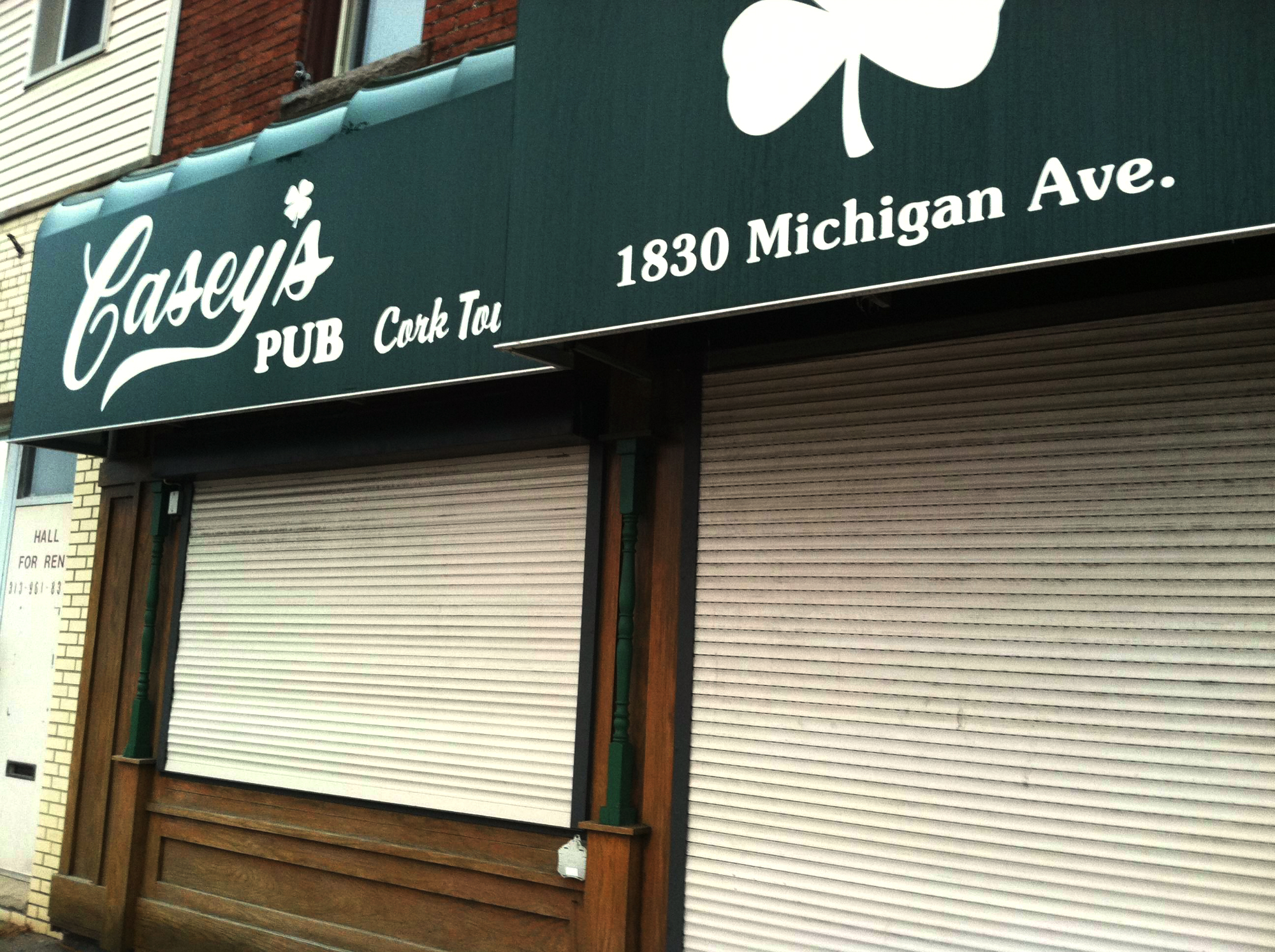 Casey's pub appeared to be shutter during business hours on January 3.
