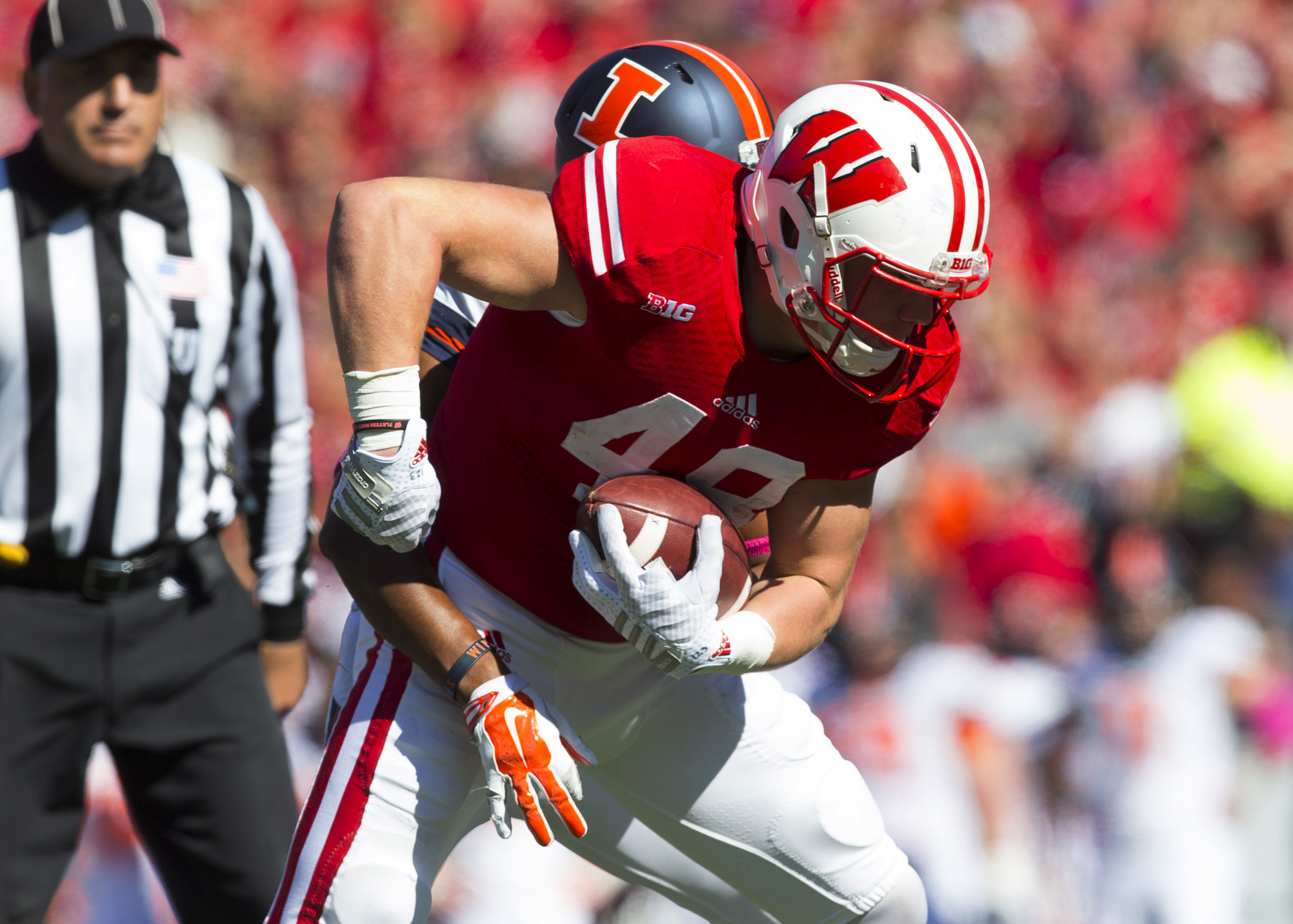Troy Fumagalli will take on an expanded role in the Badgers passing game in 2015.