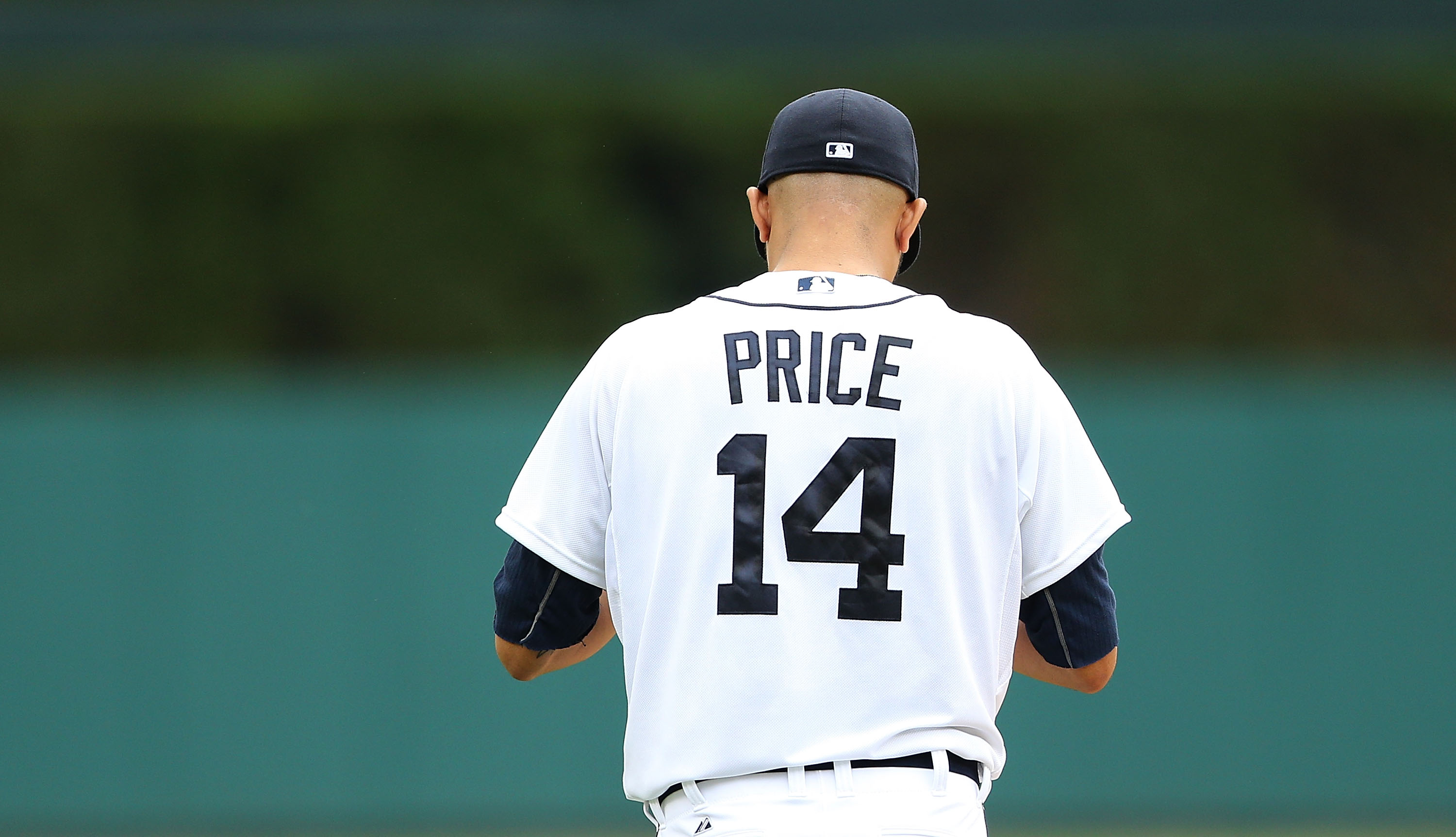 David Price avoids arbitration with Tigers, signs for record $19.75 million