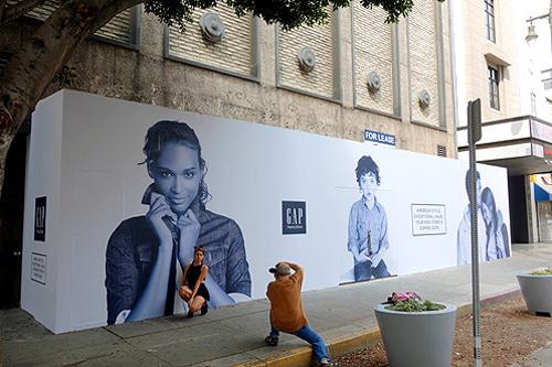 "Image <a href=""http://brighamyen.com/2014/10/02/new-gap-broadway-aiming-open-holidays-downtown-la/"">via</a>"