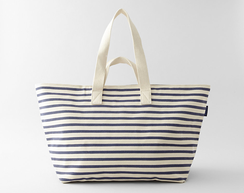 "Baggu canvas weekend bag, <a href=""http://shop.thezoereport.com/collections/apparel/products/rodarte-rosarte-tee-shirt?variant=858551889"">$72</a> via Steven Alan."