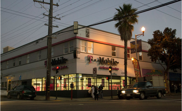 """The T-Mobile store on Mission. Image via <a href=""""http://missionlocal.org/2014/01/how-t-mobile-evaded-chain-store-law-for-four-years/"""">Mission Local</a>."""
