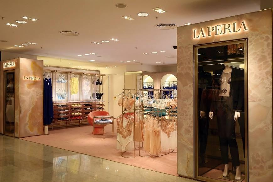 """La Perla's Paris boutique <a href=""""https://www.facebook.com/LaPerlaOfficialSite/photos/a.10150571571979649.329308.146948749648/10151767504884649/?type=3&amp;theater"""">via</a>"""