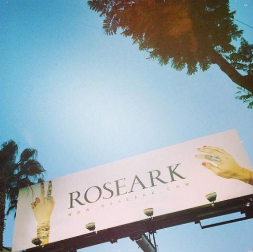 "Image via Roseark/<a href=""http://instagram.com/p/l7jYyrHJXp/"">Instagram</a>"