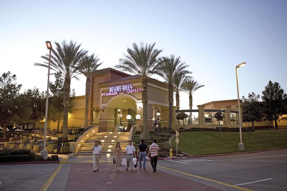 "Photo via <a href=""http://www.simon.com/mall/desert-hills-premium-outlets/stores/list"">Simon Malls</a>"