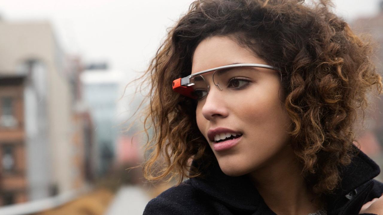 """Image via <a href=""""http://www.google.com/glass/start/"""">Google Glass</a>"""