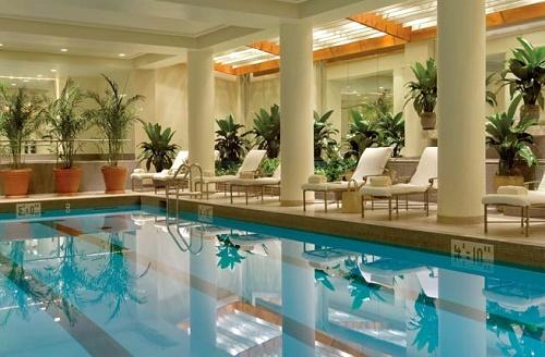 "Image credit: Four Seasons Philadelphia via <a href=""http://www.fodors.com/news/photos/10-great-hotel-pools-for-snow-day-staycations#!8-four-seasons-hotel-philadelphia"">Fodor's</a>"