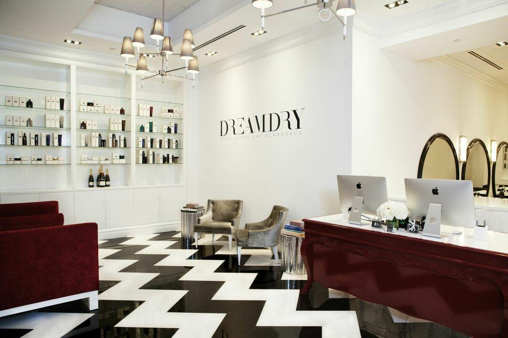 The Flatiron salon. Photo by Elizabeth Lippman/DreamDry
