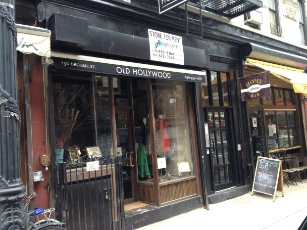 """Photo via <a href=""""http://www.boweryboogie.com/2014/01/looks-like-old-hollywood-closing-shop-broome-street/"""">Bowery Boogie</a>."""