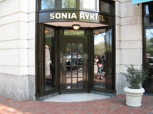 "Image <a href=""http://www.newbury-st.com/Boston/b2646/Sonia_Rykiel"">via</a>"