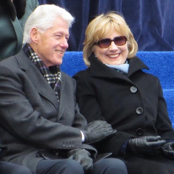 "Clintons at the de Blasio inauguration via <a href=""http://instagram.com/p/ip19Pdyc8s/"">Instagram/@jeffreynyc</a>"