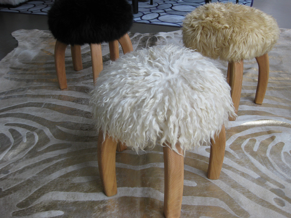 "Patagonia stools via <a href=""http://www.disenobos.com/products/patagonia-stool"">Diseño</a>"