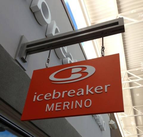 "Image of Icebreaker Toronto store via <a href=""https://www.facebook.com/photo.php?fbid=10151841039919734&amp;set=a.10151841039584734.1073741826.51722069733&amp;type=3&amp;theater"">Facebook</a>"