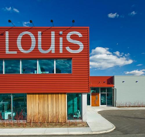 "Image via <a href=""https://www.facebook.com/photo.php?fbid=10150135943763419&amp;set=a.435177163418.236656.140207878418&amp;type=1&amp;theater"">Louis Boston</a>/Facebook"