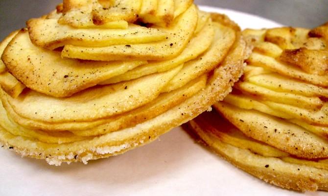 """Snacks at Smorgasburg. Photo via <a href=""""http://www.brooklynflea.com/"""">Brooklyn Flea</a>"""