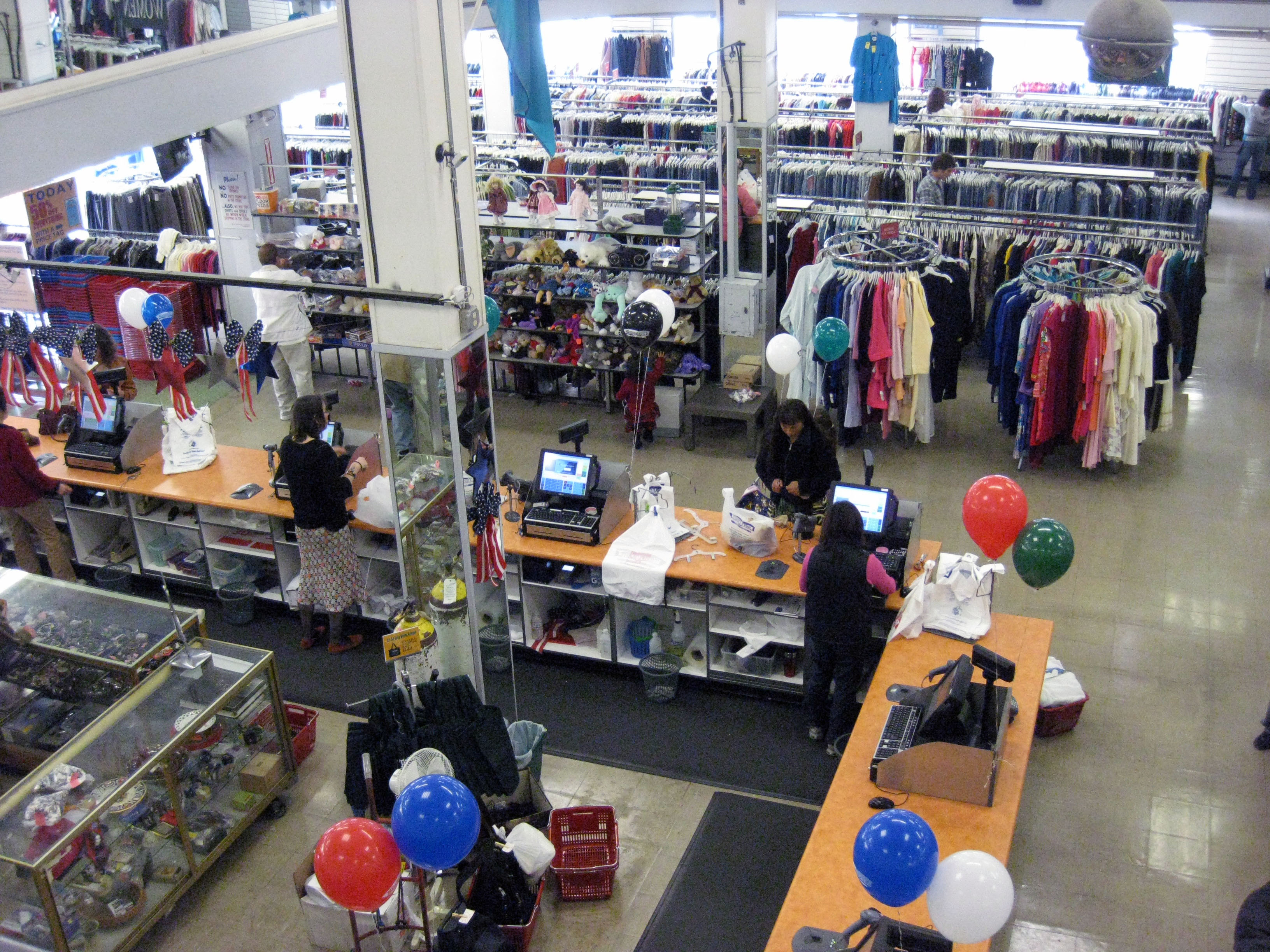 """Image of Thrift Town via <a href=""""http://missionlocal.org"""">Mission Local</a>"""