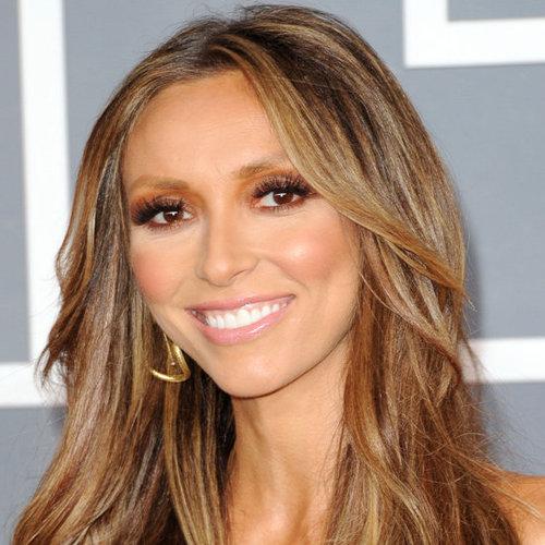 """Image via <a href=""""http://www.bellasugar.com.au/tag/2012-Grammy-Awards-Poll"""">Bella Sugar</a>"""