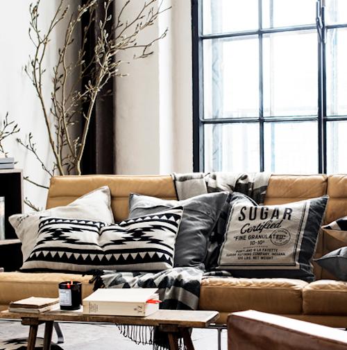 "Living room merchandise via <a href=""http://www.hm.com/us/subdepartment/HOME?Nr=4294925489#Nr=4294925489"">H&amp;M</a>"