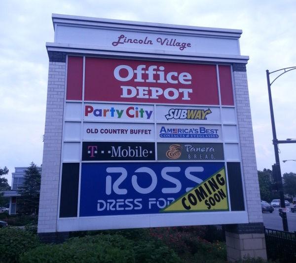 "Images via Ross Dress for Less/<a href=""https://www.facebook.com/RossDressforLess"">Facebook</a>"