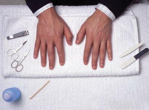 "Manly manicures via <a href=""http://bestmanicures.wordpress.com/2011/08/13/manicure-for-men/"">Best Manicures</a>"