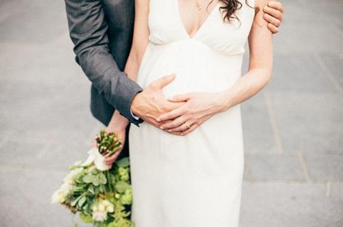 """Image credit: <a href=""""http://bklynbrideonline.com/28011/wedding-photos/real-wedding-angela-jason/"""">Brooklyn Bride</a>/<a href=""""http://www.coreytorpie.com/"""">Corey Torpie Photography</a>"""