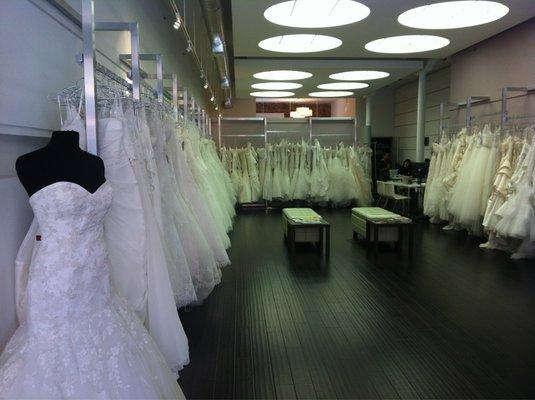 "Image of Novella Brida via <a href=""http://www.yelp.com/biz_photos/novella-bridal-san-francisco"">Yelp</a>"