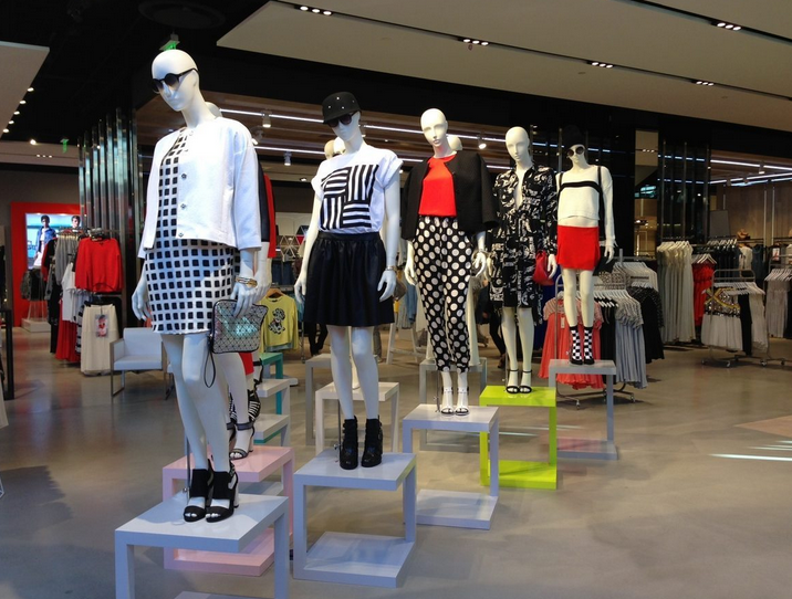 """Topshop's new store in <a href=""""http://la.racked.com/archives/2013/02/12/topshops_la_flagship_is_spacious_and_fully_stocked.php"""">LA</a>"""