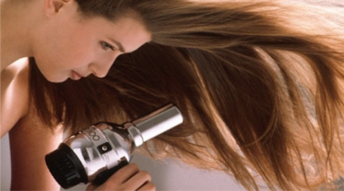 """Image via <a href=""""""""></a><a href=""""http://www.therootsalon.com/blow-dry-101/"""">The Root Salon</a>"""