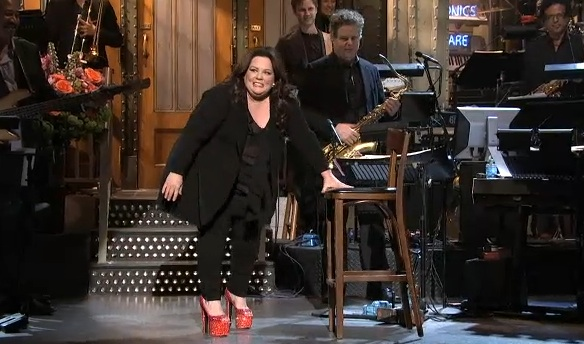 Watch Melissa McCarthy Struggle in Brian Atwood Heels
