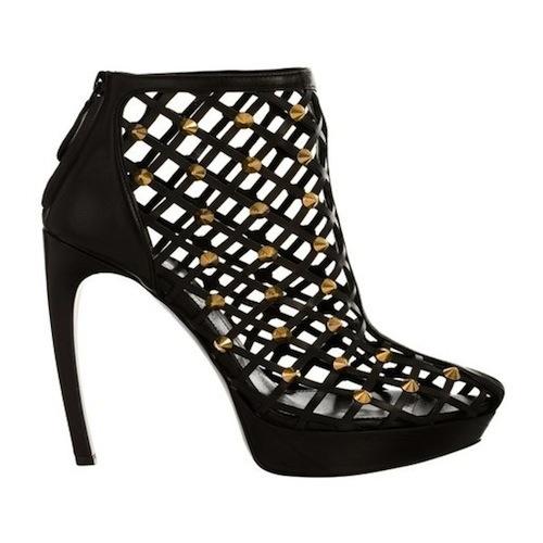 "Image via <a href=""""></a><a href=""http://www.alexandermcqueen.com/womenswear/womens-shoes/AAG,en_US,sc.html"">Alexander McQueen</a>"