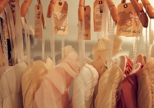 "Image via <a href=""http://www.yelp.com/biz_photos/lovely-bride-new-york?select=cikP6w64_wKHM1h4pUi_Gg#jIkKQRwcVjurjSUgsYsjDw"">Yelp</a>"